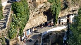 Magnífico detalle de las terrazas de las Cuevas del Sol. Foto: TROTONES DE ARCOS. En su estupendo blog podéis ver más rutas del entorno de Setenil y, en general, de la provincia de Cádiz. http://pavostrotones.blogspot.com.es/