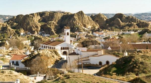 """Turismo Andaluz potencia la marca """"Cuevas de Andalucía"""". En la imagen, algunas casas cueva en Granada."""