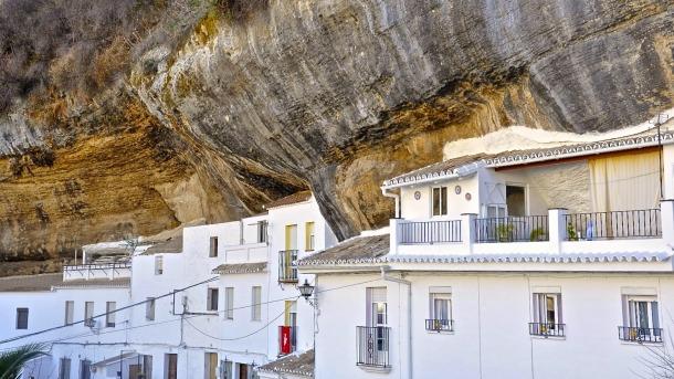 Jabonerías, una de las muchas calles-cueva de Setenil.