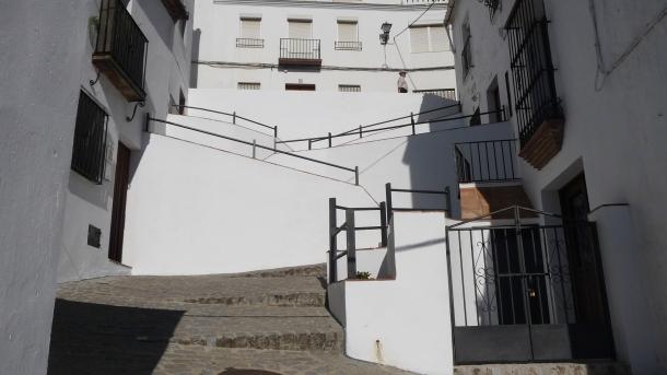 Detalle actual de la subida (o bajada) de San Benito.