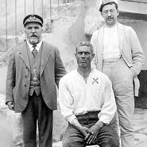 Pasos Largos, una vida de novela que arranca en una barbería deSetenil