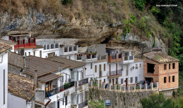 """Las Calañas, una de las muchas calles-cuevas que marcan el """"hecho diferencial"""" de Setenil respecto de otras poblaciones con cuevas. Foto: GONZALO CÓZAR. Octubre de 2015"""