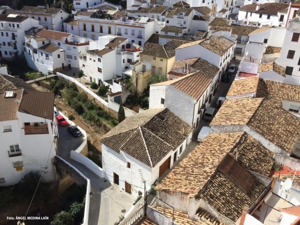 El puente de Triana y la calle Vega vista desde Los Cortinales. En el Libro del Cabezón (1552-1557) aparecen una relación de las calles extramuros. Foto. ÁNGEL MEDINA LAÍN