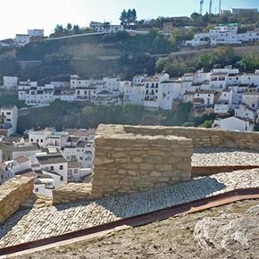 Aquí nació Setenil: un paseo por la muralla y la minarestauradas