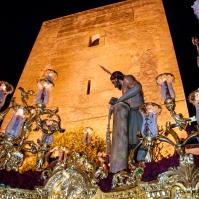 El Amarrao, bajo el Torreón nazarí, a su regreso a la Villa. Foto: MARIO GARCÍA VARGAS