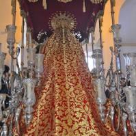 Espectacular el manto de la Virgen. Foto: MARÍA GUZMÁN JIMÉNEZ