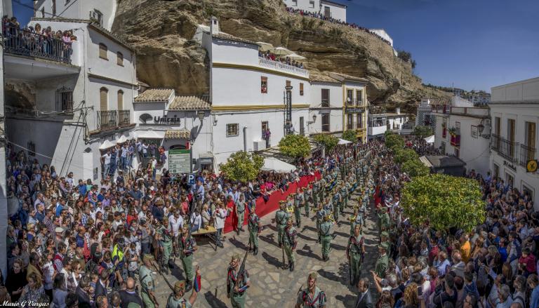 La Legión, durante el multitudinario desfile en la plaza. Foto: MARIO GARCÍA VARGAS.