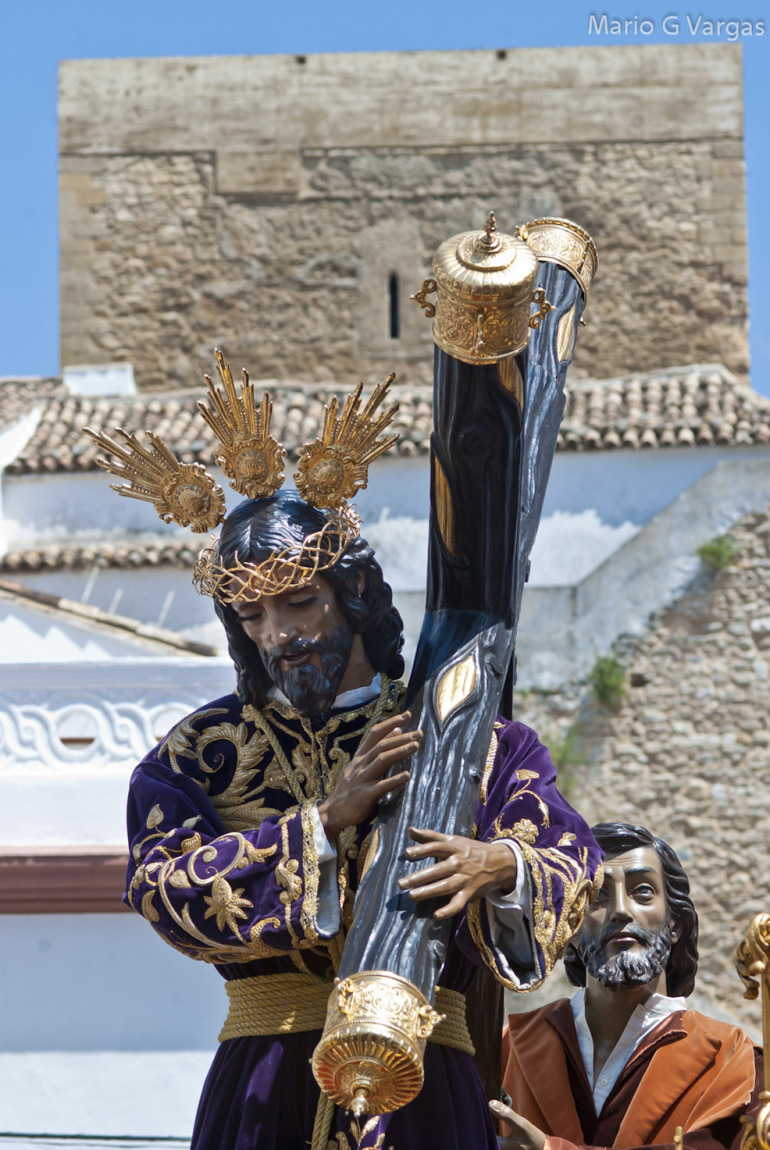Impresionante imagen de Padre Jesús con el Torreón al fondo. Foto: MARIO GARCÍA VARGAS