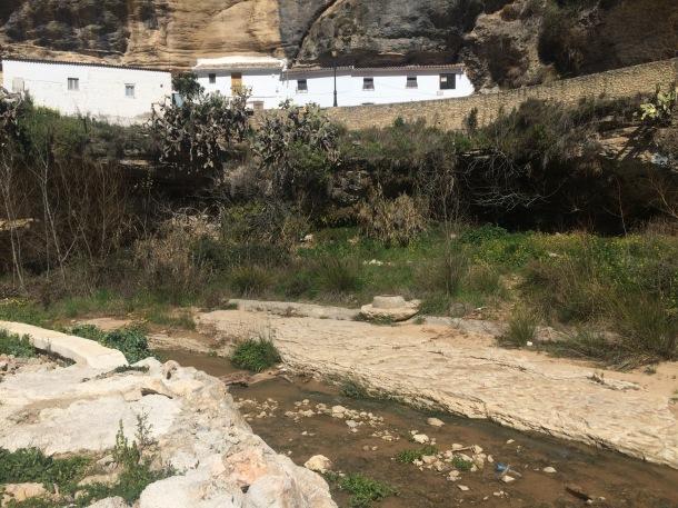 Esta esquina de Las Cabrerizas quedó especialmente dañada por la riada.