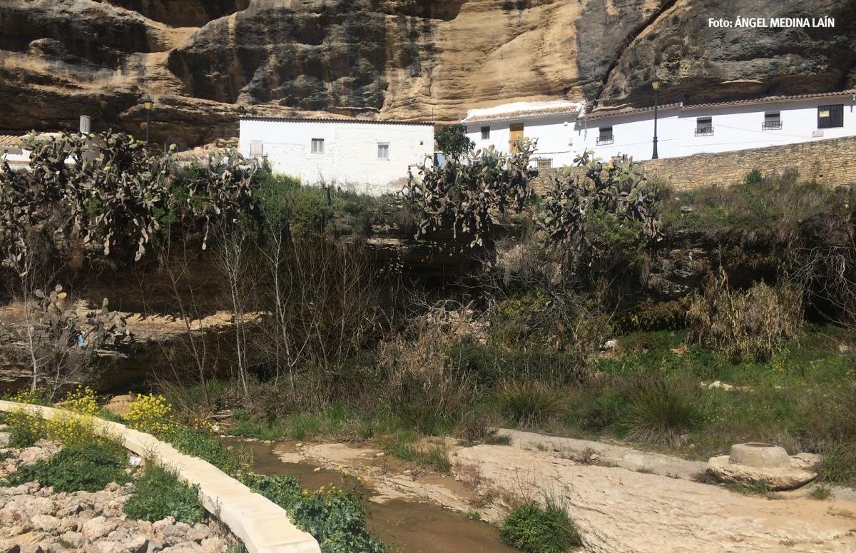 Finalmente se ha conservado la escalera que da acceso al río desde Las Calcetas. Foto: ÁNGEL MEDINA LAÍN.