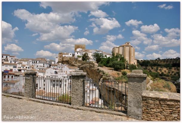 El mirador de El Carmen, desde donde asediaron las tropas cristianas la fortaleza musulmana. Es el mismo lugar que aparece en el 'Civitates…'