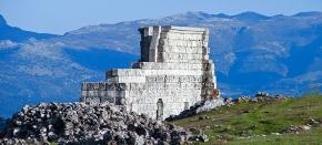 """Ruinas de Acinipo, """"silencio solemne, sombra de Roma, metáfora de todos losolvidos"""""""