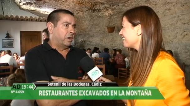 Pepe Cubiles explica la repercusión de la nominación para Setenil desde el espectacular Bar La Tasca.