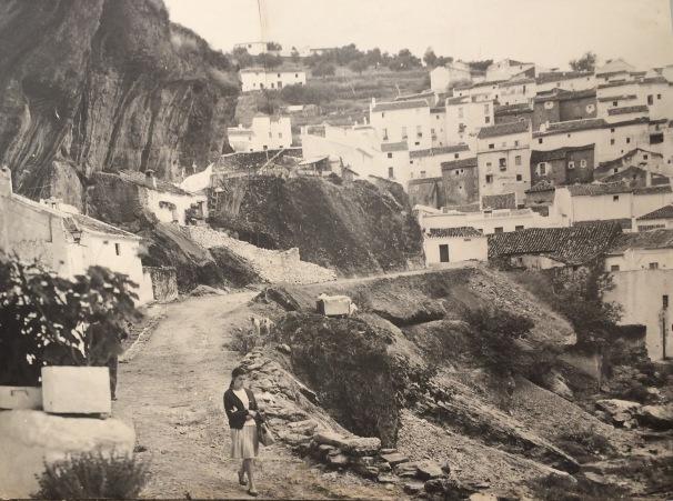 Preciosa foto de las Jabonerías (1971) de ANTONIO SÁNCHEZ. En la imagen aparece Ana Aguilera.