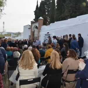 "Imagen del masivo homenaje a la ""60 Rosas""."