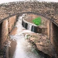 El río, el arquitecto de Setenil, a su paso controlado por las Cuevas del Sol. Foto: MARÍA GENINES.