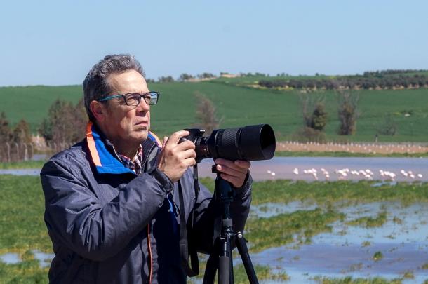Mario García Vargas, autorretratado en la laguna de Fuentepiedra en la húmeda primavera de 2018.