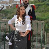 """Marina Barriga, rodeada de soldados franceses en la presentación de """"El Garrochista"""" de Sebastián Bermúdez."""