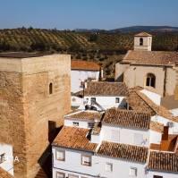 Vista del Torreón y la Iglesia.