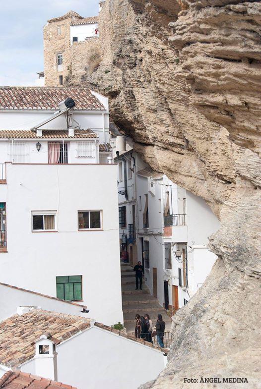 La Herrería, apenas vista desde el balcón de la peña que se desliza también por la subterránea calle Mina. Foto: ÁNGEL MEDINA LAÍN.