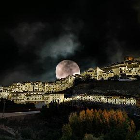Setenil nocturno: una antología fotográfica de MaríaGJ