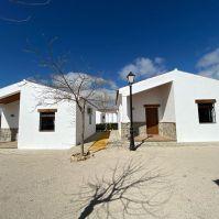 Seis bungalows con todas las comodidades.