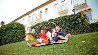 El hotel El Almendral es ideal para el turismo familiar. Foto: TUGASA.
