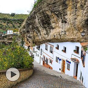 Las Calcetas, una increíble calle-cueva en las entrañas de la fortaleza deSetenil