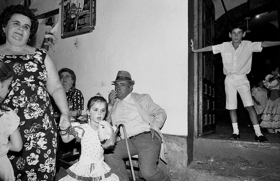 """La Feria en la Plaza. En la imagen la añorada Elvira, Jose el Mellizo y su mujer Conchi, y José Antonio García Andrades """"El Piti"""". Foto. JEAN PIERRE HAZÉE."""