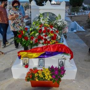 Setenil homenajea a los seis fusilados de la primera fosa franquista delcementerio