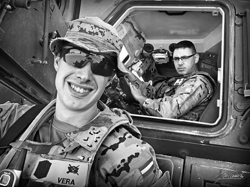 """""""A mal tiempo buena cara. Recuerdo que había un rasgo muy significativo en este soldado: era raro no verlo de buen humor y con una sonrisa franca y contagiosa en el rostro. Esto siempre elevaba la moral de los que estaban a su vera""""."""